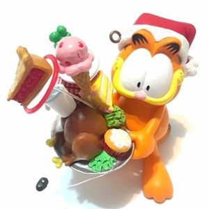 Garfield Ornament Heirloom Carlton Cards